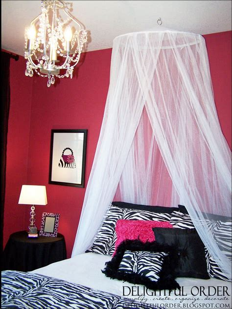 Pink Zebra Bedroom by Pink Zebra Room Ideas For The Bed Canopy Came From
