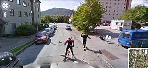 Google Street View Map : google street view car chased by frogmen in bergen norway ~ Medecine-chirurgie-esthetiques.com Avis de Voitures