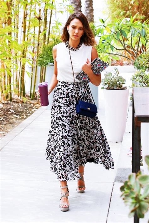 40 Knee Length Skirts Outfit for Working Women - Buzz 2018