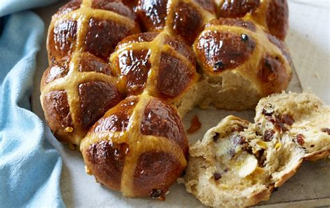 easy hot cross buns recipe womanhome magazine