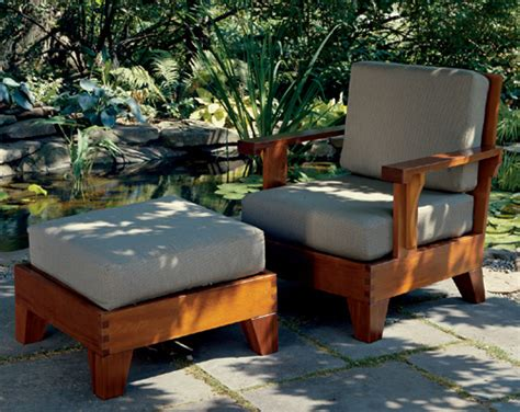 How To Build A Ottoman by Build A Cedar Chair And Ottoman