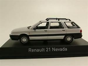 Renault 21 Nevada Kombi 1986 Silber  Modellauto 1 43