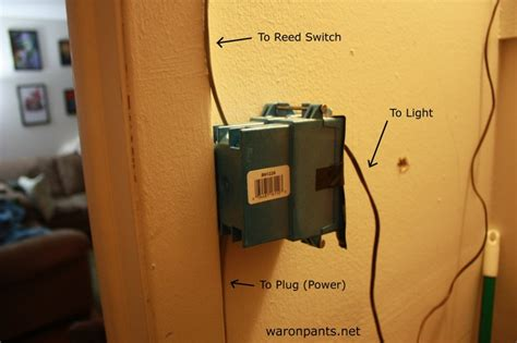 automatic door light war on