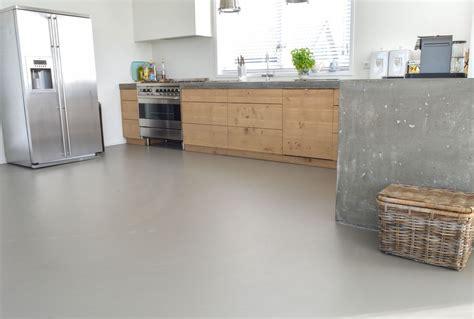 Keuken ontwerp met houten vloer ecosia