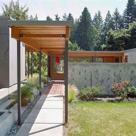 covered walkway  house  garage covered walkway