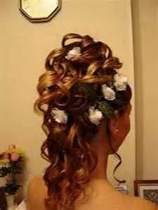 prix coiffure mariage coiffure de mariage chignon bouclé
