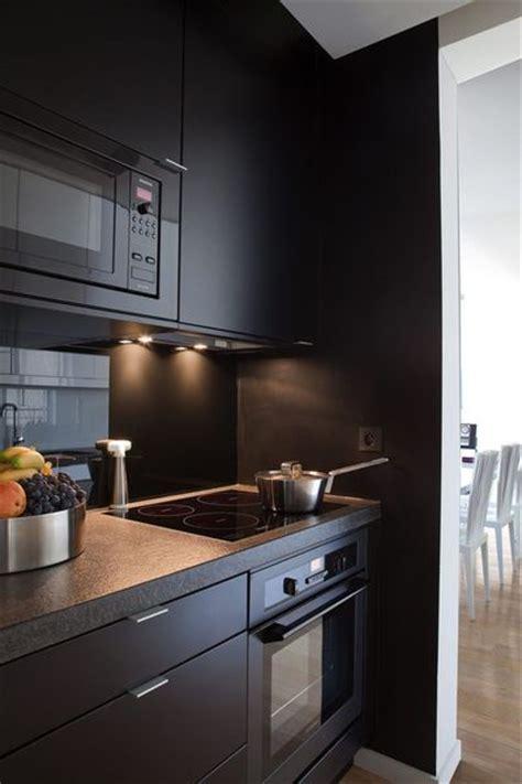 cuisine repeinte en noir cuisine bois repeinte chaios com