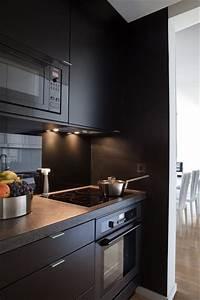 Cuisine Blanc Et Noir : 7 cuisines noires qui vont vous faire aimer le noir c t maison ~ Voncanada.com Idées de Décoration