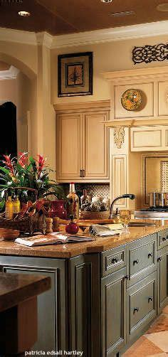 kitchen cabinets with glaze kitchen maple cabinets blue gray walls new house 8012