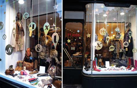 deco de noel pour magasin stickers vitrines decoration noel boules vitrine id 233 e