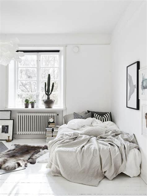 agencer une chambre chambre tout en blanc 19 idées de décor blanc cette pièce