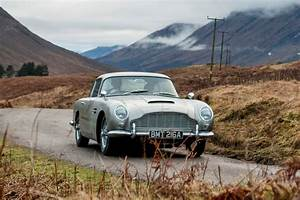 Aston Martin Db 5 : james bond 39 s iconic aston martin db5 recreated with working q gadgets auto express ~ Medecine-chirurgie-esthetiques.com Avis de Voitures