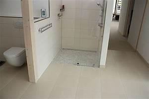 Fugen Streichen Bad : fliesen in der dusche verlegen vermeiden sie lecks ~ Markanthonyermac.com Haus und Dekorationen