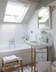 Jolie maison de campagne au design romantique en france for Salle de bain design avec campagne décoration magazine