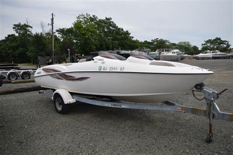 Small Yamaha Jet Boats For Sale by 2001 Used Yamaha Ls 2000 Jet Boat For Sale 4 995
