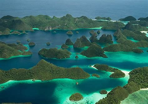 amazing places raja ampat indonesia