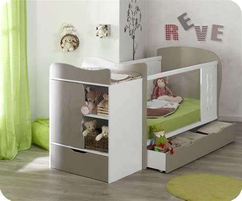 chambre evolutif lit bébé évolutif jooly et blanc