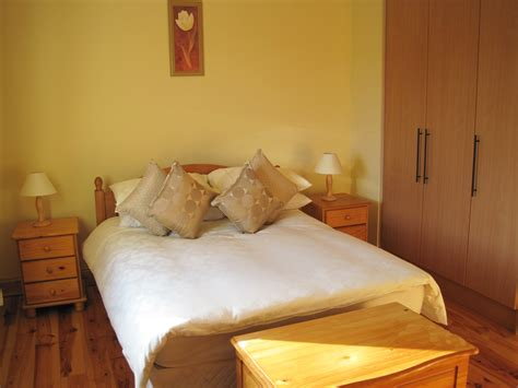 En Suite Bedroom 1 Millfield Self Catering Home Kenmare