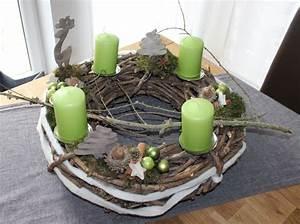 Künstlicher Adventskranz Dekoriert : adventskranz aus rebenkranz dekoriert mit nat rlichen ~ Michelbontemps.com Haus und Dekorationen