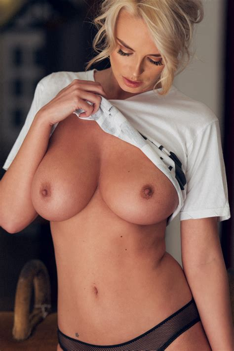 Rhian Sugden Topless And Nude Posing Scandal Planet