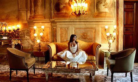 luxurious hotels  america stunning surroundings