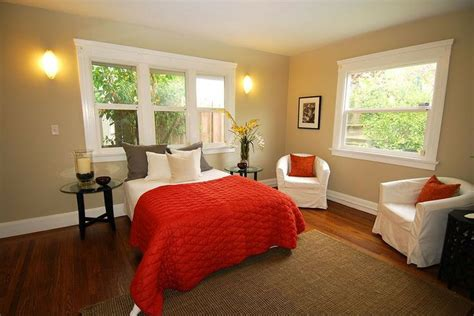 how to coordinate colors in a bedroom modern guest bedroom find more amazing designs on zillow