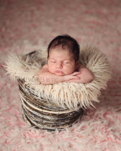 esssential newborn photography props
