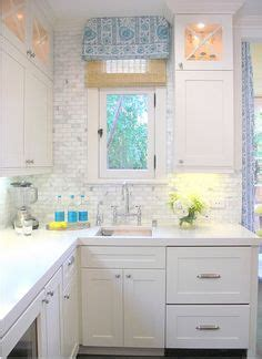 how to do kitchen cabinets mexican backsplash tiles kitchen pictures of kitchens 7246