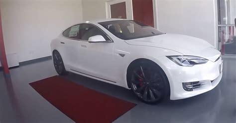 Stock 2016 Tesla Model S P90dl V2 1/8 Mile Drag Racing
