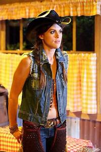 Paige McCullers PLL Lindsey shaw | pretty little liars