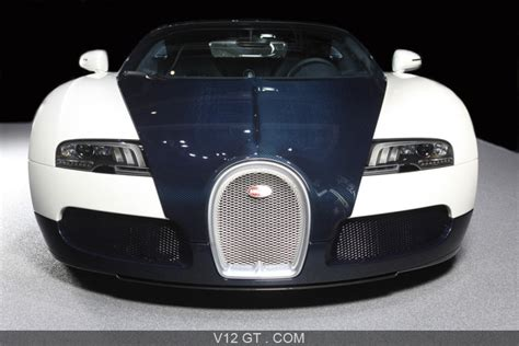 The development of the bugatti veyron was one of the greatest technological challenges ever known in the automotive industry. Bugatti Veyron Dark Blue - face avant / Bugatti / Photos GT / Les plus belles photos de GT et de ...