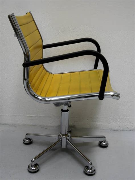 chaises jaunes ten 1950s chairs in the style of charles eames for sale at 1stdibs