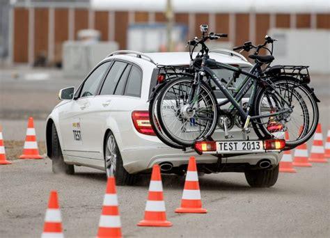 e bike fahrradträger auto fahrradtr 228 ger f 252 r e bikes im test ebike news de
