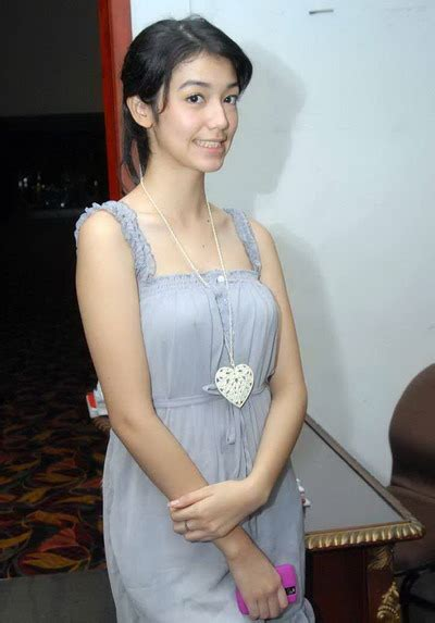Hot Indonesian Pics Indonesian Girl Velove Vexia