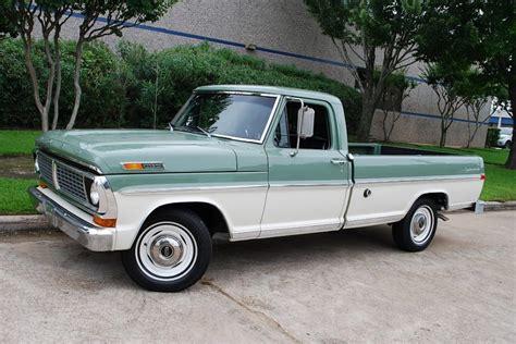 ford   custom sport pickup auto collectors garage