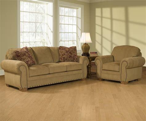 Broyhill Cambridge Three Seat Sofa by Broyhill Furniture Cambridge Casual Style Sofa With Nail