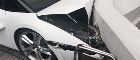 Valet Parking Lamborghini Fail by A Useless Valet Worker Just Wrecked This Lamborghini