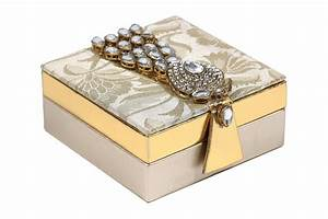 Wedding favor shagun box with golden kundan accessory for Wedding box cards india