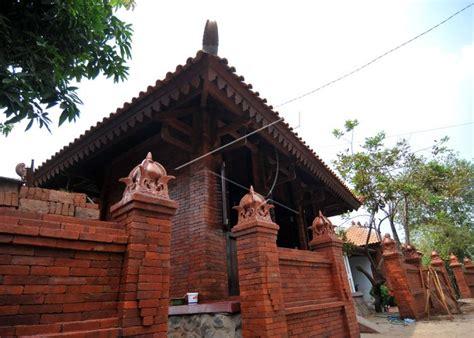 kampung majapahit sebagai simbol pelestarian budaya oleh