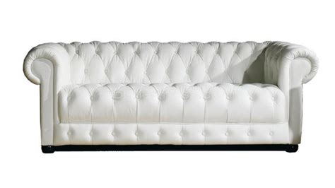 canapé chesterfield cuir canapé chesterfield design 3 places vivaldi mobilier moss