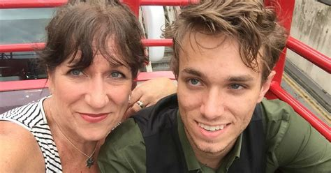 What A Mom Taught Her Son About Women That Made Him A