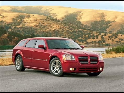 2005 Dodge Magnum Rt by 2005 Dodge Magnum Rt Front Angle 1920x1440 Wallpaper