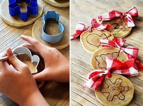 basteln mit muffinförmchen 35 ideen zum basteln mit holzscheiben kreativ und