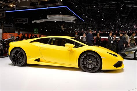 lamborghini huracan the lamborghini huracan 18 things you didn t know motor