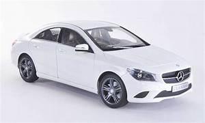 Mercedes Cla Blanche : mercedes cla miniature c117 blanche 2013 norev 1 18 voiture ~ Melissatoandfro.com Idées de Décoration
