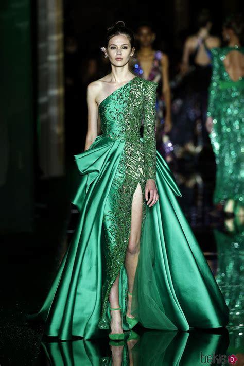 vestido asimetrico verde de zuhair murad primaveraverano  en la semana de la alta costura