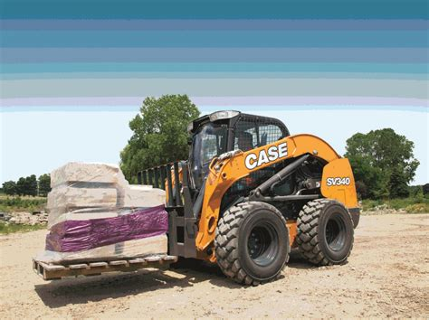 case shows    largest skid steer  gieexpo
