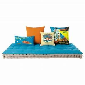 Matelas futon coussin de sol capitonne detente et for Tapis de sol avec coussin canapé 70x50