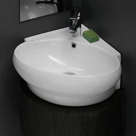 corner white ceramic wall mounted   rimming