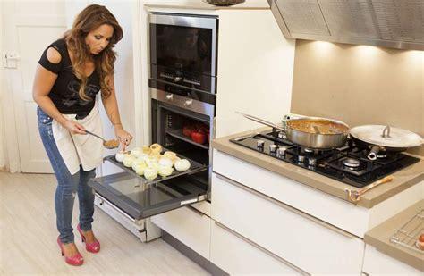 helene cuisine hélène ségara dans un dîner presque parfait m6 télé